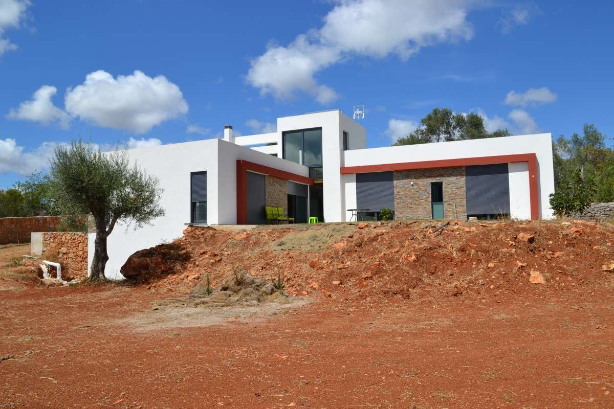 Maison En Coffrage Isolant Sismo Villa Moderne En Espagne